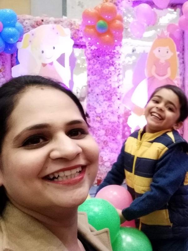 Nidhi (Mom)&Eeshaan